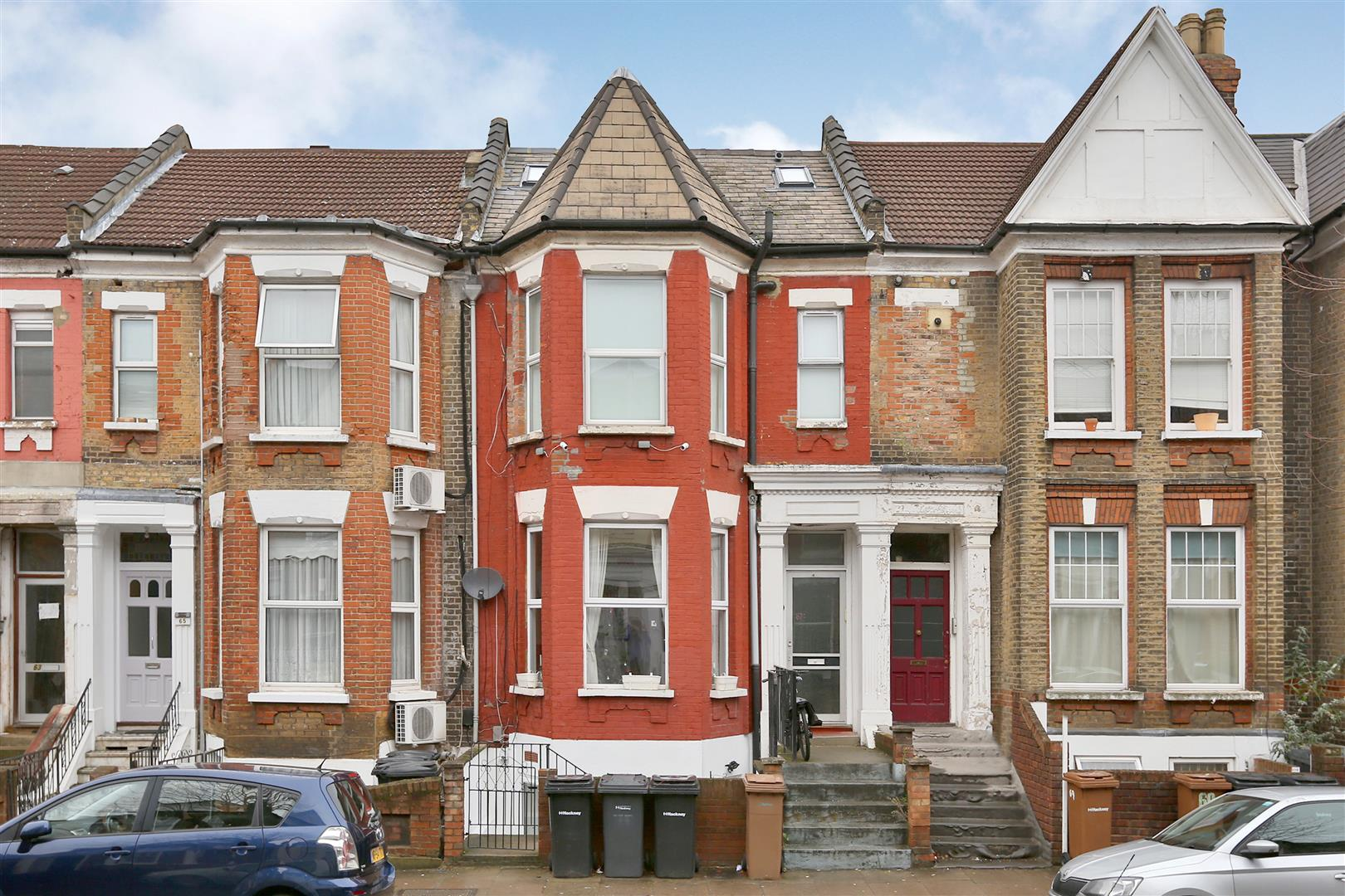1 Bedroom Flat for sale in Forburg Road, London